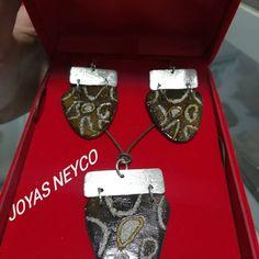 Colección Colombia Joyas artesanales fabricadas en totumo y plata ley 925. Manufactura 100% Colombiana Photo Work, Friend Photos, Bracelets, Jewelry, Law, Silver, Colombia, Jewlery, Jewerly