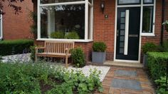 Tuinontwerp met beplantingsplan voortuin Utrecht Woerden