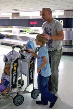 Andre Agassi with his kids
