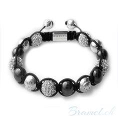 Shamballa Armband Modeschmuck - http://bramel.ch/accessoires-shop/armband/shamballa-armband-modeschmuck/ http://bramel.ch/wp-content/uploads/2013/09/Shamballa-Armband-Design-fur-Frauen1-600x600.jpg