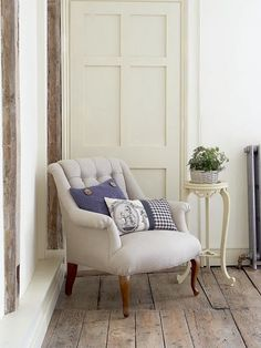 Photo Source Crispy white decorating ideas designed to take your breath away...team with silver furniture and lots of light!... Photo Sour...