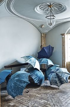 SS16 Fabrics. From raindrops to cascading waters and waves, these deep inky and teal blue patterned textiles are making a splash. Homes & Gardens. Styling Emma Thomas, Ali Brown and Laura Vinden. Photographs Adrian Briscoe. http://www.hglivingbeautifully.com/2016/03/30/the-new-collections-part-three/