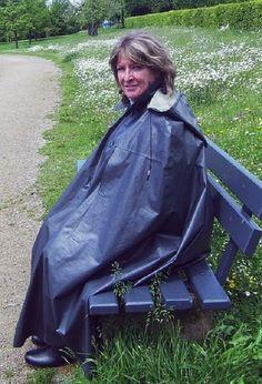 Brave, Rain Cape, Rubber Raincoats, Plastic Raincoat, Rain Wear, Women Wear, Lady, Womens Fashion, How To Wear