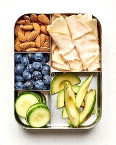 Diet Recipes 10 Easy Keto Lunchbox Ideas — A Lunch Box for Everyone - High-fat, low-carb meals you'll love. Lunch Meal Prep, Healthy Meal Prep, Healthy Drinks, Healthy Snacks, Healthy Eating, Dinner Healthy, Snacks Kids, Nutrition Drinks, Healthy Cake