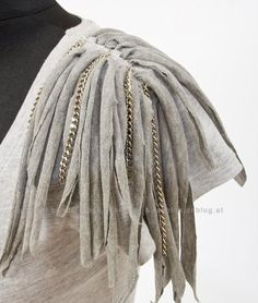 Add fringe detail to your old t-shirt can make a different look