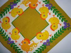 Retro Easter Swedish textile napkin - 1970es  #trendyenser #retrotextile #swedishdesign #ullamargaretalittorin #eastertextile #1970 #påsketekstil #påskeserviet From TRENDYenser.com. SOLD/SOLGT.