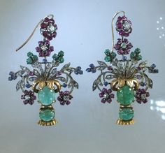 Pair of yellow and white gold earrings in the shape of a flower vase. Cabochon emeralds, in yellow gold setting and diamonds in white gold setting. Ca 1950 Emerald Earrings, Emerald Jewelry, Antique Earrings, High Jewelry, Antique Jewelry, Vintage Jewelry, Jewel Box, Animal Jewelry, Gemstone Colors