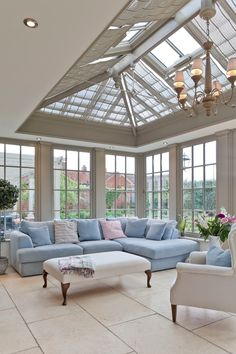A living room conservatory classic style conservatory by vale garden houses classic wood wood effect Conservatory Interiors, Conservatory Decor, Conservatory Kitchen, Design Hall, Design Loft, Design Design, Rustic Home Design, Dream Home Design, House Design