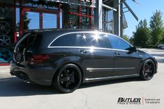 Mercedes R-Class with Mandrus Mannheim Wheels exclusively from Butler Tires and Wheels in Atlanta, GA - Image Number 10656 Mercedes Benz R Class, Mercedes Models, Tyre Brands, Expedition Vehicle, Car Car, Butler, Animals Beautiful, Luxury Cars, Touring