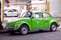 """Pour ce lundi """"Vieilles du monde"""", une #VW #Coccinelle #Taxi au #Mexique"""