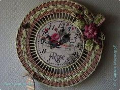 Resultado de imagen para cesteria con periodicos relojes