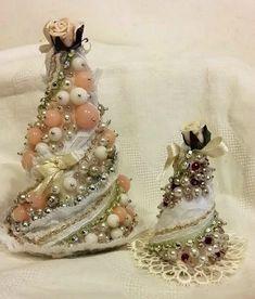 Natale è alle porte e realizzare degli alberelli di Natale fai da te sarebbe una splendida idea per le feste: qui il tutorial
