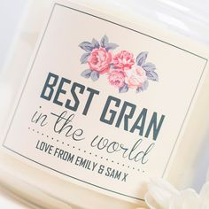 With a crisp white label, our deluxe jar candle reads 'Best Gran In The World' with a floral design and can be printed with a message.