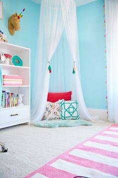 Tween Bedroom with Reading Nook