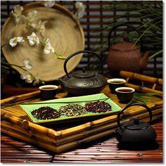 An enchanting display of loose leaf tea ready to be enjoyed. Tea Cocktails, Drinks, Tea Wallpaper, Tea Display, Tea Companies, Eat To Live, Tea Art, Store Displays, Loose Leaf Tea