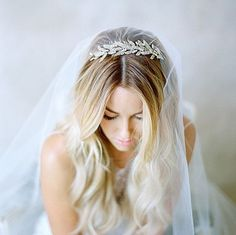 love this rhinestone hair piece | wedding bridal hair
