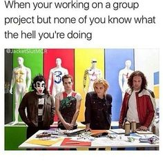 Ne currently we have to make a dance for PE and I'm the only one doing anything cuz no one is helping me and three of them has dance classes and I'm like I've seen beebo dance it's a blessing to my eyes Emo Band Memes, Mcr Memes, Music Memes, Emo Bands, Music Bands, Funny Memes, Hilarious, Panic! At The Disco, Pop Punk