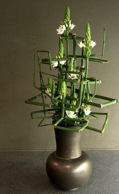 Structural floral design - Impact piece - Fleur Magazine