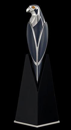 Exceptional Hawk Fountain Pen | Cartier