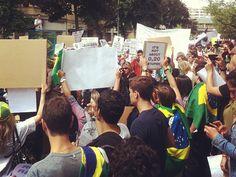 Brasileiros fazem manifestação neste domingo (16), em Berlim