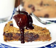 This healthy deep dish cookie pie!    2 cans white beans or garbanzos, drained and rinsed (500g total, once drained)  1 cup quick oats or certified-gf quick oats  1/4 cup applesauce  3 tbsp vegetable or coconut oil  2 tsp pure vanilla extract  1/2 tsp baking soda  2 tsp baking powder  1/2 tsp salt  1 and 1/2 cups brown sugar (click for a Sugar Free Cookie Pie)  1 cup chocolate chips    Read more at http://chocolatecoveredkatie.com/2011/05/31/deep-dish-cookie-pie/#jEurUB23BAhZ3ch5.99