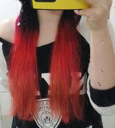 굳빠이 스물의 프로젝트 퓨어레드 두번째, 블루바이올렛 첫번째 (노란탈색머리라 보라 매니큐어가 갈색 또는 주황빛이 됏음)