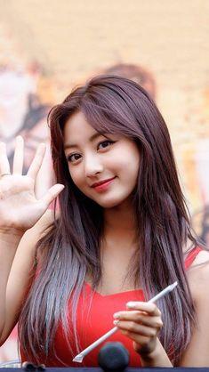 愼 ☼ ριητεrεsτ policies respected.( *`ω´) If you don't like what you see❤, please be kind and just mov Kpop Girl Groups, Korean Girl Groups, Kpop Girls, Pretty Asian, Beautiful Asian Girls, Korean Beauty, Asian Beauty, Nayeon, Jihyo Twice