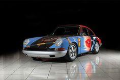 All'asta la coloratissima Porsche 911 disegnata da Peter Klasen