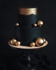Ich kann all diese Hanfstümpfe nicht lieben! - Celebration cakes for women, Party organization ideas, Party plannig business Pretty Cakes, Beautiful Cakes, Amazing Cakes, Fondant Cakes, Cupcake Cakes, Elegant Birthday Cakes, Bolo Cake, Modern Cakes, Just Cakes