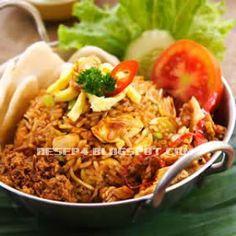 resep nasi goreng Jawa Tasty Rice Recipes, Rice Recipes For Dinner, Side Dish Recipes, Asian Recipes, Cooking Recipes, Healthy Recipes, Ethnic Recipes, Nasi Goreng Kampung, Nasi Bakar