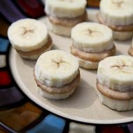 Frozen peanut butter banana bites! 7 pieces are about 160 calories. Yum!