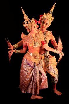 traditional thai khon dance