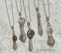zelf sieraden maken van oude theelepeltjes en oorknopjes kapotte broches ed.