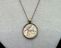 AMMAN necklace pendant map city vintage Amman, City Maps, Pocket Watch, Abs, Pendant Necklace, Accessories, Vintage, Jewelry, Crunches