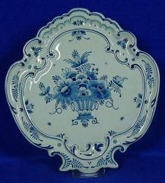 "RP: Large Plaque ""Flower-vase"" Royal Delft Blue"