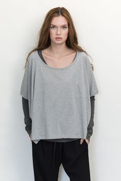 100% Superfine organic cotton oversized tee in grey is perfect to use as a throw-over top. Sustainable fashion made with natural ethically sourced fabrics.
