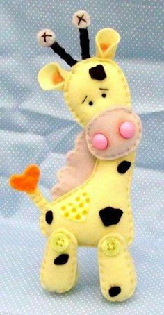 felt giraffe - image only Fabric Crafts, Sewing Crafts, Sewing Projects, Fabric Animals, Felt Animals, Felt Patterns, Stuffed Toys Patterns, Felt Decorations, Felt Christmas Ornaments