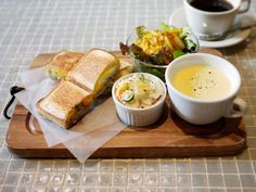 IS MY ++ satsuki shibuya • blog.  Breakfast tray set up