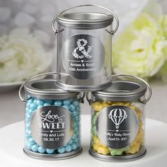 Paint a fun picture reminiscent of childhood days and colorful paint cans when you decorate your event tables with these authentic Metallics Collection mini containers!
