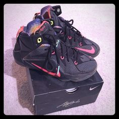 Lebron XXI basketball sneakers Lebron basketball sneakers, perfect for your preteen boy/girl! (Kids size 5 = women's size 7) Nike Shoes Sneakers