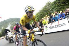 Tony Gallopin, yellow jersey, Lotto-Belisol, Tour de France, 2014, stage ten, pic: Sirotti