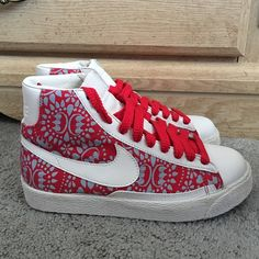 Women's Claw Money Blazers Pre-owned and loved ❤️ worn lightly. These are B grades shoes. These are awesome shoes! Comes with its original box but no lid. Nike Shoes Athletic Shoes