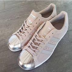 new style 6d340 cc5e7 Botas, Zapatos Deportivos, Zapatos Bonitos, Calzado, Sandalias, Favoritos,  Ponerse,