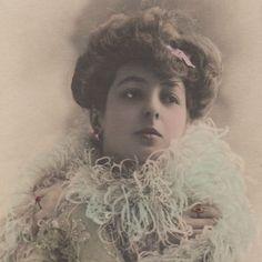Actress Marthe Regnier - original vintage photo postcard. Wonderful!