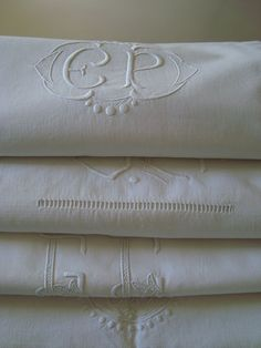 I love monogrammed linens! Embroidery Alphabet, White Embroidery, Embroidery Monogram, Embroidery Fonts, Linens And Lace, White Linens, Vintage Sheets, Linen Tablecloth, Vintage Textiles