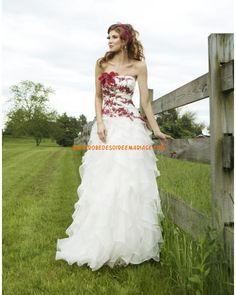 Robe de mariée organza bustier appliqué bordeaux