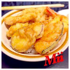 今日はパパのリクエストで天丼꒰*✪௰✪ૢ꒱ タレは実家の父特製です(*ฅ́˘ฅ̀*)♡ 中身はエビ、ササミ、サツマイモ、カボチャ、レンコン٩꒰๑ơ౪ơ꒱۶♥ 美味しかったーヾ(✿❛◡❛ฺฺ)ノ - 96件のもぐもぐ - 今夜は天丼꒰*✪௰✪ૢ꒱ by miinao
