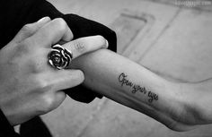 Open your eyes fashion black and white girl tattoo ring