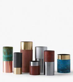 Hier sehen Sie das Vasen Set True Colours der Dänischen Marke &tradition