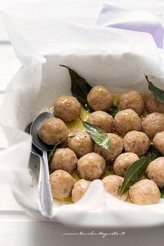 it wp wp-content uploads 2016 06 Polpette-di-Tacchino-morbide-e-golosissime-Ricetta-Polpette-di-Tacchino-. I Love Food, A Food, Good Food, Food And Drink, Yummy Food, Meat Recipes, Healthy Recipes, Fish And Meat, Daily Meals